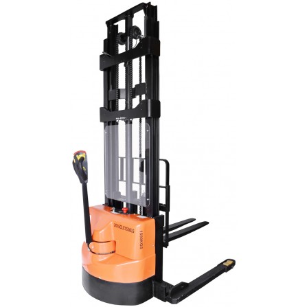 Record CLC15LS Series Fully Powered Straddle Stacker